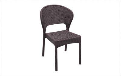 1818: Stapelbar stol med snabbleverans
