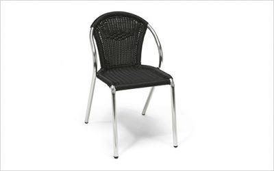 8224: Stapelbar stol med snabbleverans
