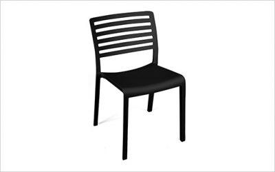 8327: Stapelbar stol med snabbleverans