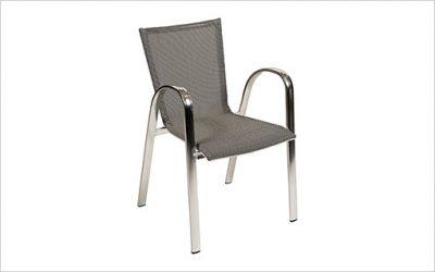 8454: Stapelbar stol med snabbleverans